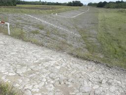 La levée de Loire à Jargeau dans le Loiret (45) | DIRECTION REGIONALE DE L'ENVIRONNEMENT, DE L'AMENAGEMENT ET DU LOGEMENT CENTRE-VAL DE LOIRE