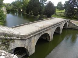 Val de Loire : parc du château à Châteauneuf-sur-Loire (Loiret) | DIRECTION REGIONALE DE L'ENVIRONNEMENT, DE L'AMENAGEMENT ET DU LOGEMENT CENTRE-VAL DE LOIRE
