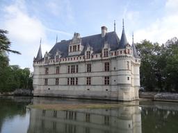 Val de Loire : château d'Azay-le-Rideau (Indre-et-Loire) | DIRECTION REGIONALE DE L'ENVIRONNEMENT, DE L'AMENAGEMENT ET DU LOGEMENT CENTRE-VAL DE LOIRE