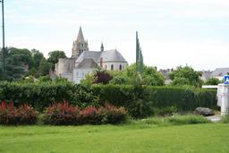 Meung-sur-Loire (Loiret) : collégiale Saint-Liphard | DIRECTION REGIONALE DE L'ENVIRONNEMENT, DE L'AMENAGEMENT ET DU LOGEMENT CENTRE-VAL DE LOIRE