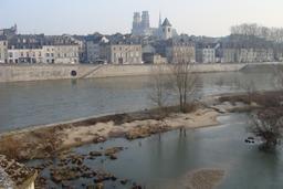 Vue sur les quais de Loire à Orléans | DIRECTION REGIONALE DE L'ENVIRONNEMENT, DE L'AMENAGEMENT ET DU LOGEMENT CENTRE-VAL DE LOIRE