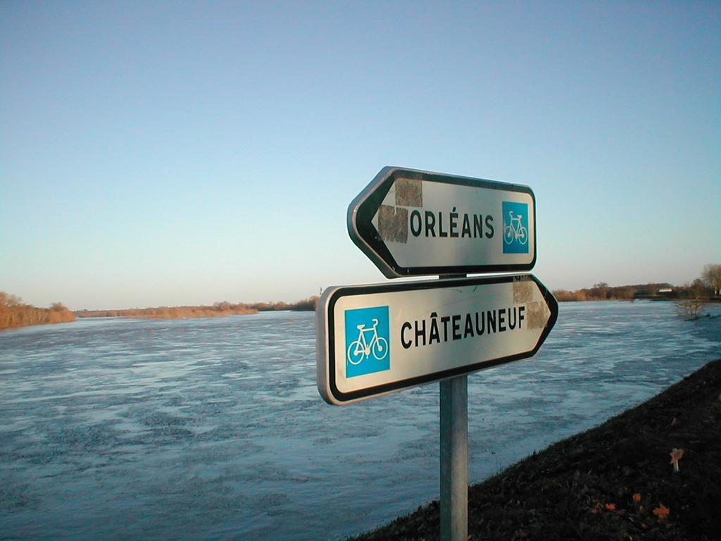 Tourisme : la Loire à vélo | DIRECTION REGIONALE DE L'ENVIRONNEMENT, DE L'AMENAGEMENT ET DU LOGEMENT CENTRE-VAL DE LOIRE