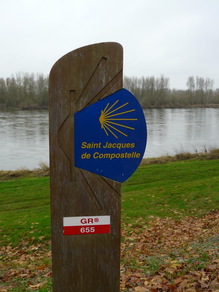 GR 655 Saint-Jacques de Compostelle - Saint-Dyé-sur-Loire | DIRECTION REGIONALE DE L'ENVIRONNEMENT, DE L'AMENAGEMENT ET DU LOGEMENT CENTRE-VAL DE LOIRE