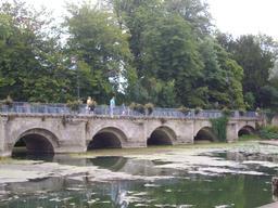 Pont à Azay-le-Rideau (Indre-et-Loire) : rue nationale | GUILLEMAUT (Fabien) - DREAL Centre-Val de Loire