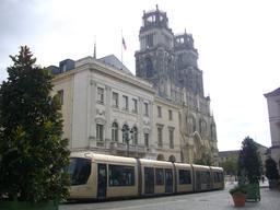 Tramway cathédrale à Orléans | GUILLEMAUT (Fabien) - DREAL Centre-Val de Loire