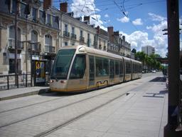 Tramway Orléans - station Tourelles-Dauphine | GUILLEMAUT (Fabien) - DREAL Centre-Val de Loire