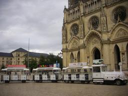 Petit train à la cathédrale d'Orléans | GUILLEMAUT (Fabien) - DREAL Centre-Val de Loire