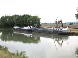Transport de granulats sur le canal latéral de la Loire | SAUMET (Rémi)